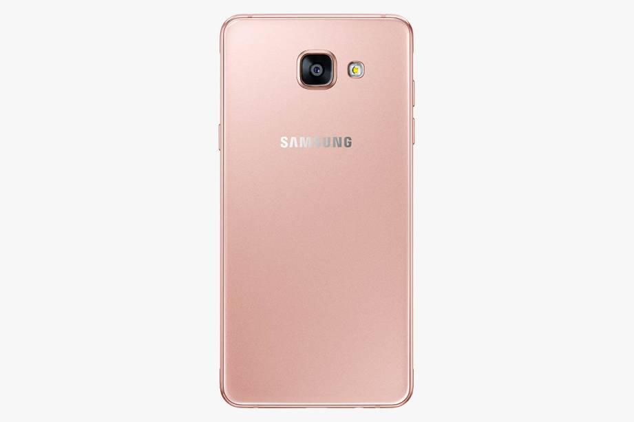 Smartphone Galaxy A5, recém-lançado: R$ 2 199,00