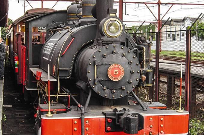 maria-fumaca-locomotiva-exposta-no-memorial-do-imigrante-_1-jpg.jpeg