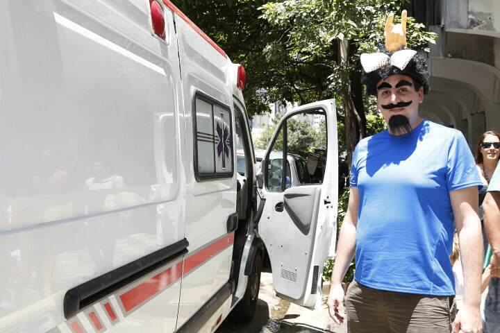 Foliões perdem a viagem; bloco Toca Rauuul não comparece a evento