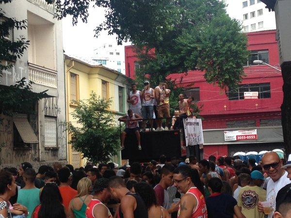 Bloco Os Piores agitou a Bela Vista, na Rua Conselheiro Carrão