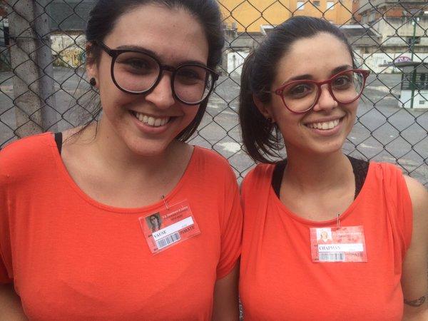 """Fãs da série """"Orange is the new Black"""" curtem bloco na Zona Oeste de São Paulo"""