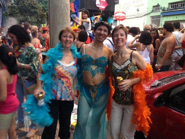 """Família unida também no carnaval"""", é o que diz esse grupo que encontramos curtindo o Fuá"""