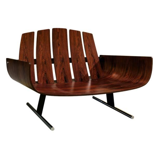 Presidencial (década de 50), de Jorge Zalszupin, feito em madeira de jacarandá: 20 000
