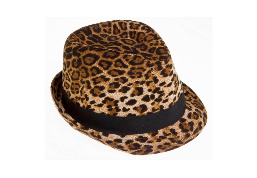 Chapéu animal print. R$ 39,90.