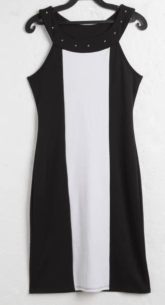 Vestido bicolor. R$ 49,90.