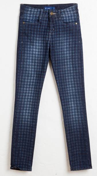 Jeans pied de poule. R$ 99,90.