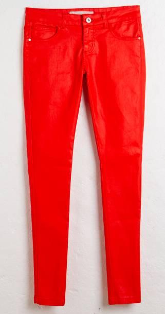 Skinny jeans color. R$ 119,90.