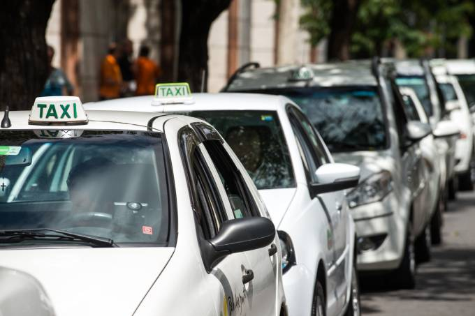 taxis-gustavo-andrade.jpeg