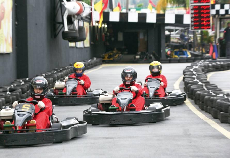 Passeio de kart: os competidores precisam ter no mínimo 7 anos