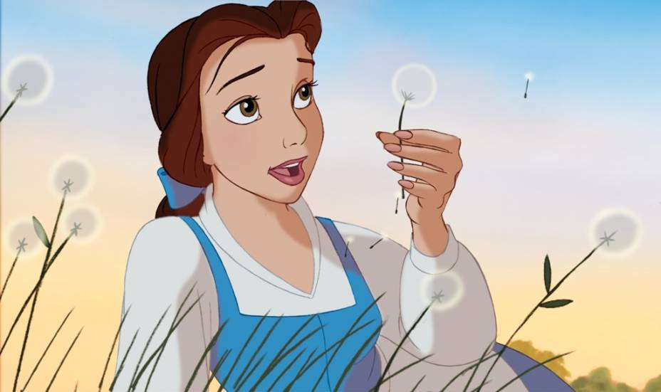 Desenho animado de 1991: feita prisioneira no castela da Fera, a jovem Bela esbanja charme e simpatia