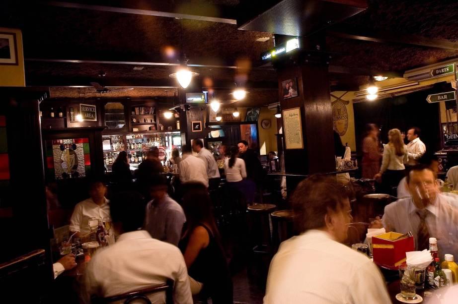 O ambiente do All Black:o pub promove a segunda edição de suaWhite Party, com promoções e música ao vivo