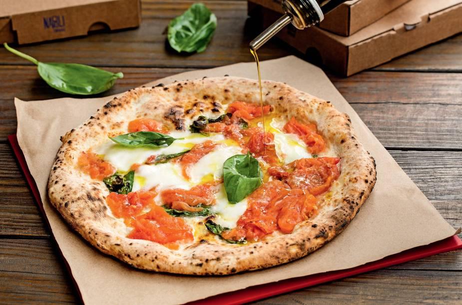 Nova versão da margherita: cobertura leva mussarela de búfala, tomate italiano, pecorino e manjericão