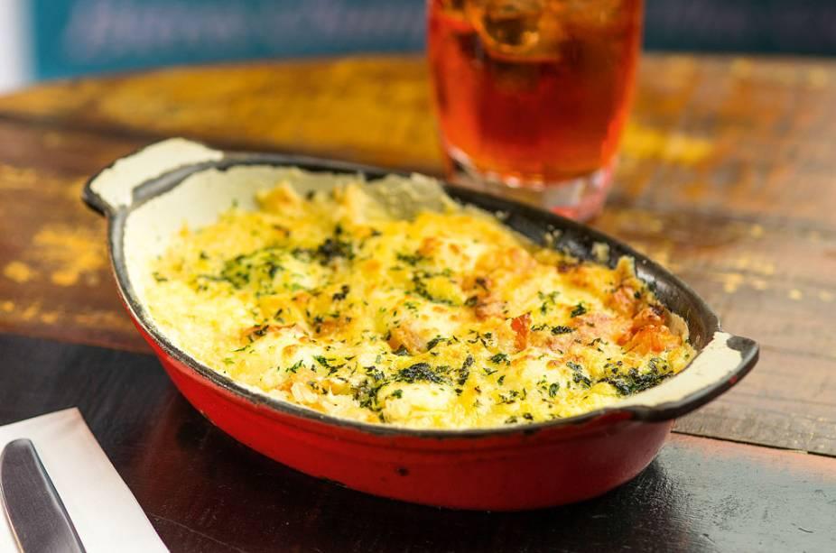 Arroz de forno: alho-poró, linguiça, presunto, tomate e queijo gruyère