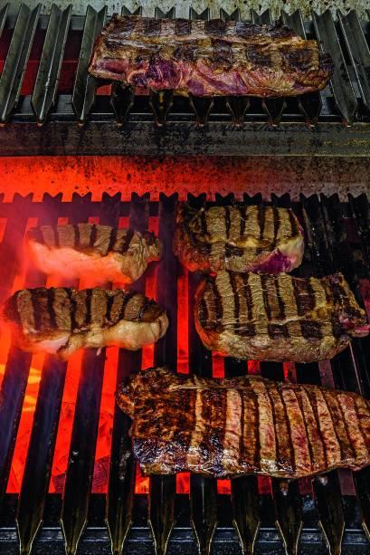 As doze opções de carne vêm de fazendas de São Paulo, Rio Grande do Sul e Uruguai