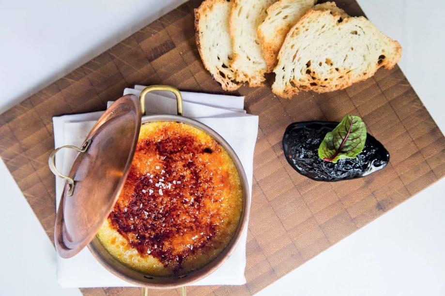 Creme brûlé de queijo pecorino