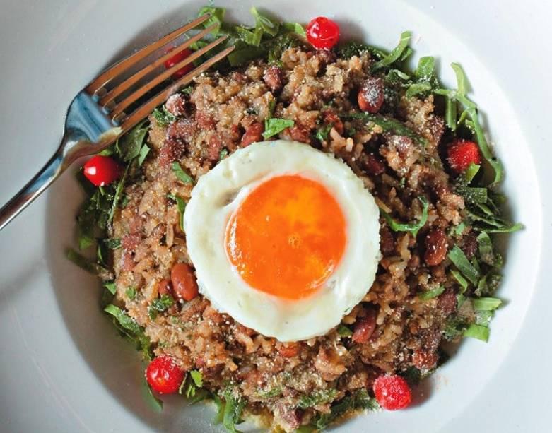 Mexido de arroz, feijão e carne