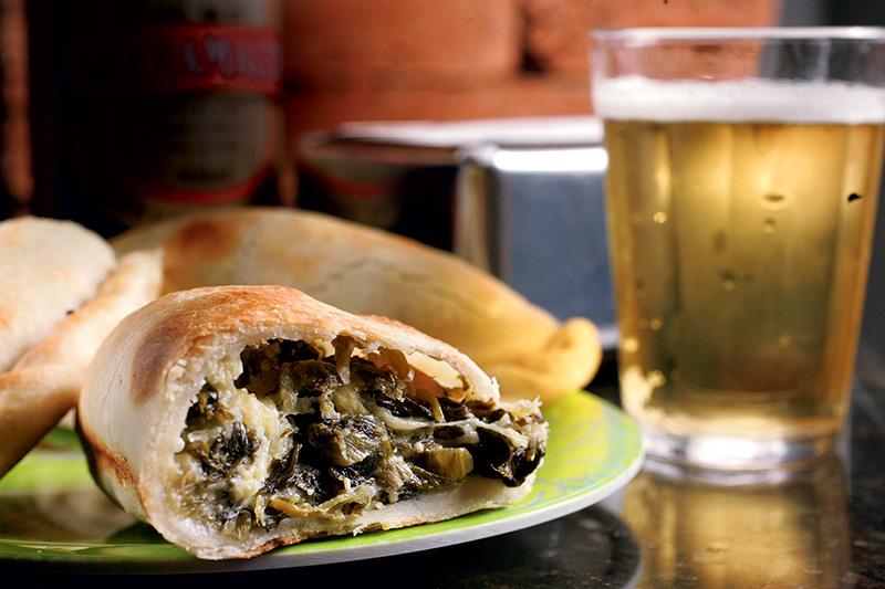 Pedida argentina: empanada de escarola com castanha-do-pará