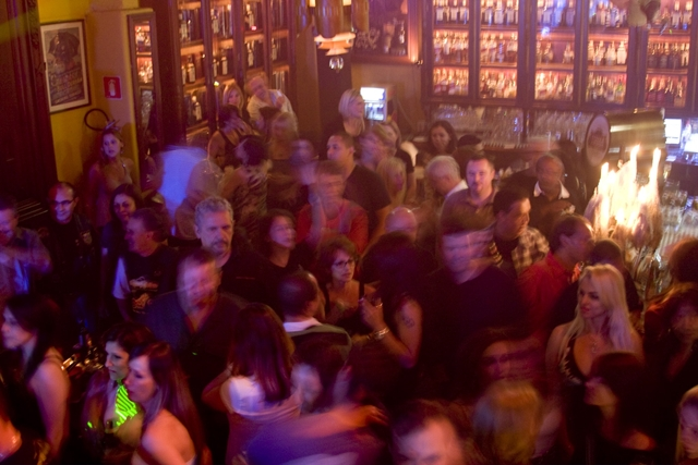 Bar Charles Edward: festa junina para paquerar