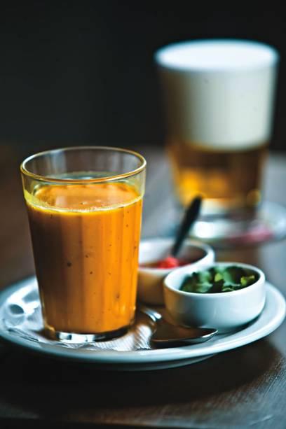 No cardápio do boteco Sabiá: caldinho de abóbora com curry, leite de coco e gengibre