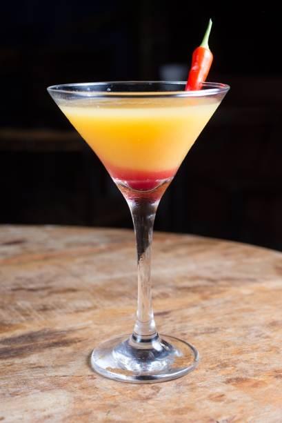 O passion martini leva vodca, maracujá e um toque de molho Tabasco