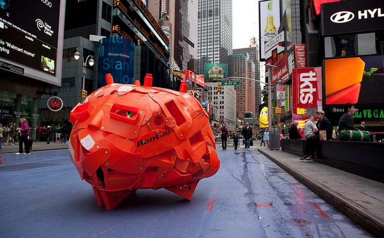 Obras ocuparam a Times Square, em Nova York, em 2012