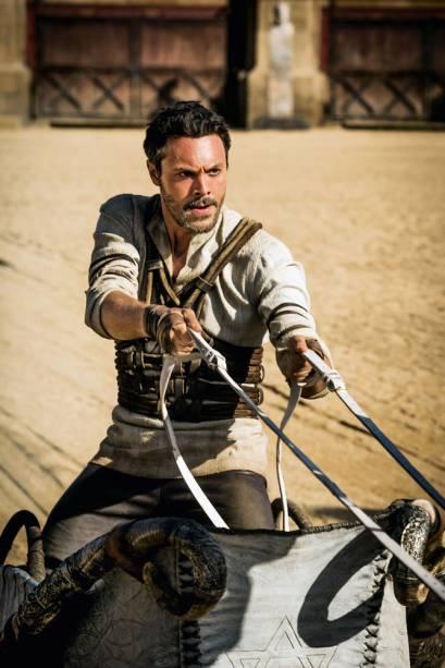 Judah Ben Hur (Jack Huston) é injustamente acusado de traição e condenado à escravidão