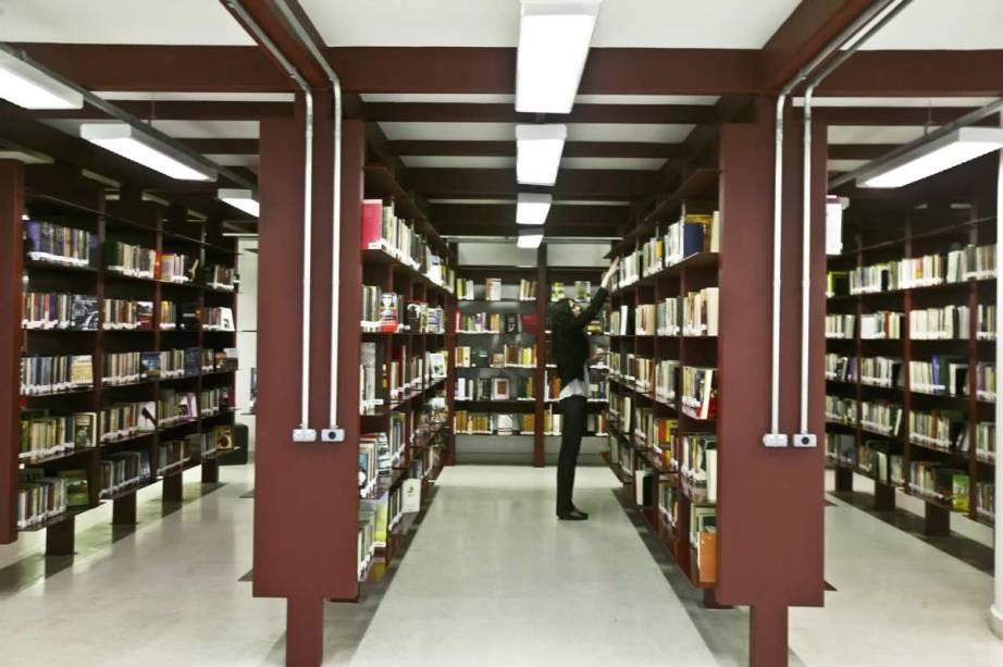 Na seção Circulante da Biblioteca Mário de Andradehá mais de 42 000 exemplares