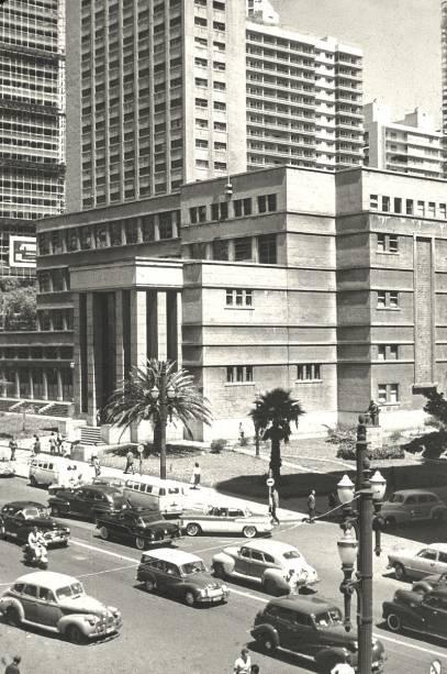O prédio já na fase da Rua da Consolação, nos anos 1950