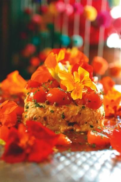 Cozinha rápida no Bom Retiro: o bufê de almoço do Bistro da Sara pode incluir terrine de ricota e laranja kinkan