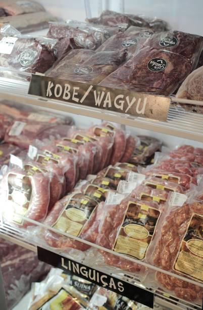 Entre as variedades de carnes bovinas estão cortes de gado wagyu
