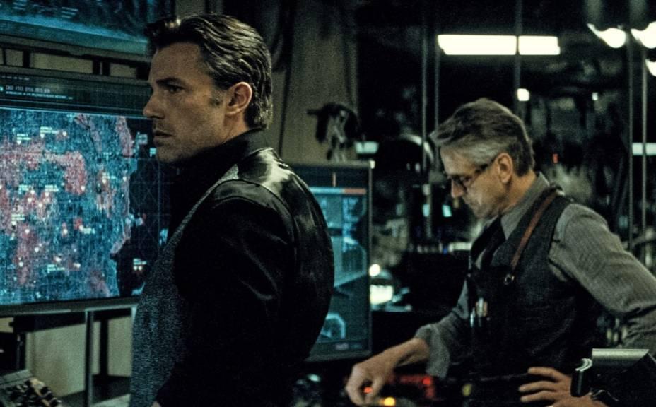 Batman vs Superman - A Origem da Justiça: Ben Affleck e Jeremy Irons, que interpreta o mordomo Alfred