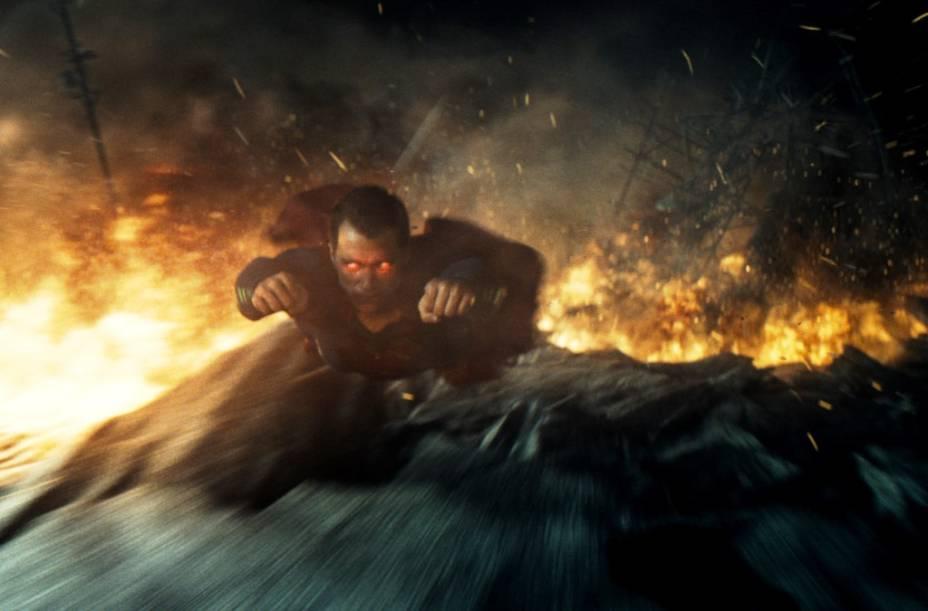 Batman vs Superman - A Origem da Justiça: Henry Cavill volta no papel de Superman