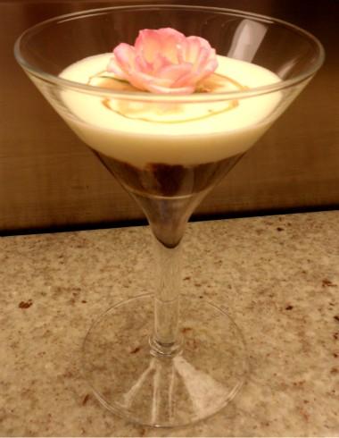 No Il Barista: a bebida é finalizada por uma flor comestível