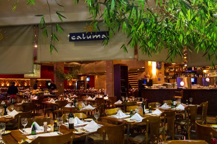 O ambiente do restaurante localizado no Shopping Nações Unidas