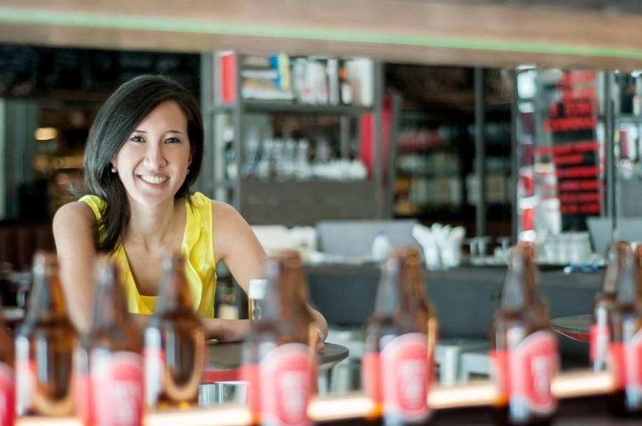 Ici Brasserie: sommelière Carol Oda conduz degustações de cerveja