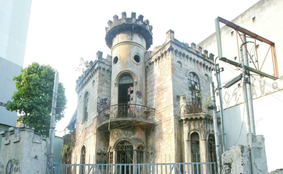 Castelinho da Rua Apa é rodeado por histórias de assombrações