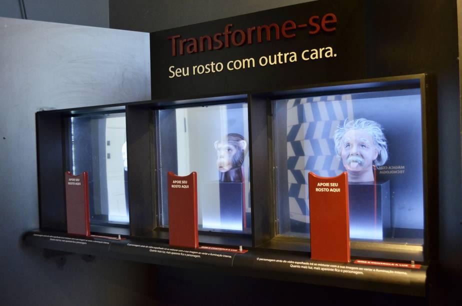 Mudança: usando jogo de luzes e outros conceitos, a instalação transforma o visitante em Einstein ou macaco