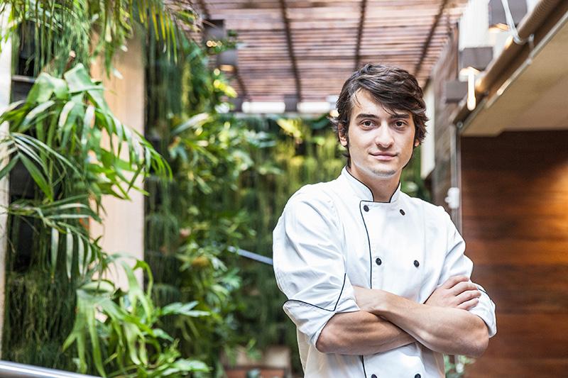 O chef Fabio Lazzarini estreia seu primeiro menu degustação