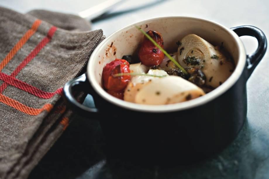 Pato com arroz de lentilha e frutas secas mais uma entrada de bacalhau
