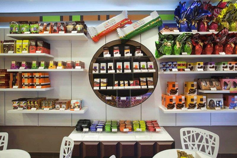 Primeira big store da rede Chocolates Brasil Cacau