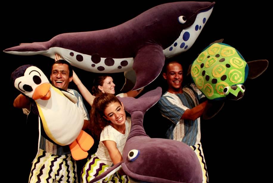 Círculo das Baleias: interpretação é feita com bonecos