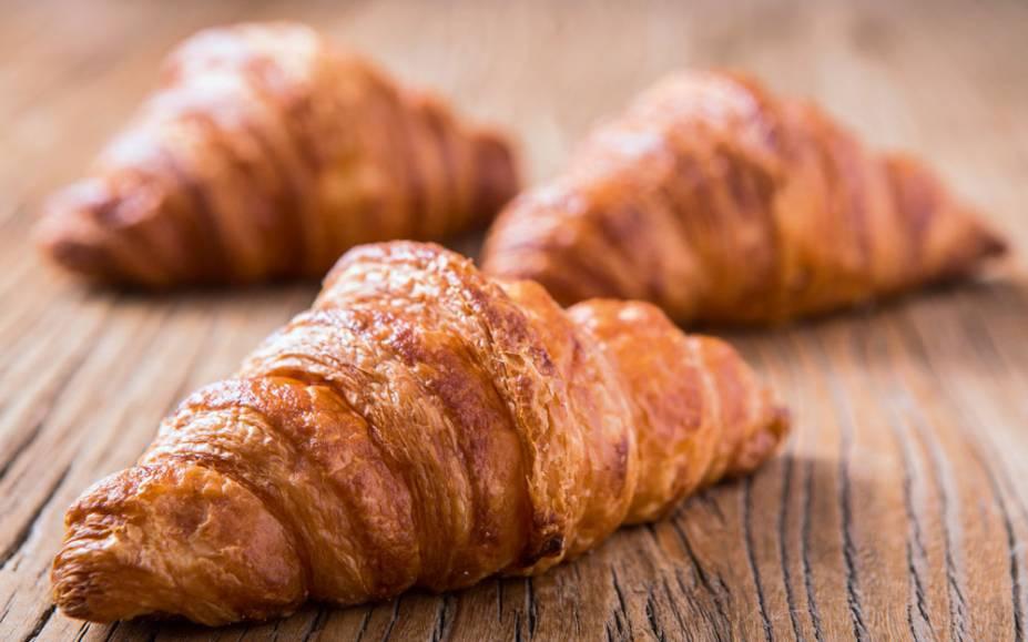 O croissant: leve e amanteigado na medida