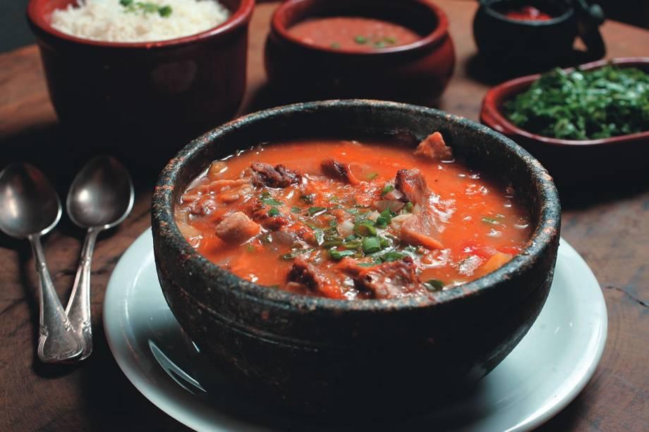 Vaca atolada (costela cozida com mandioca): pratos satisfazem até três pessoas