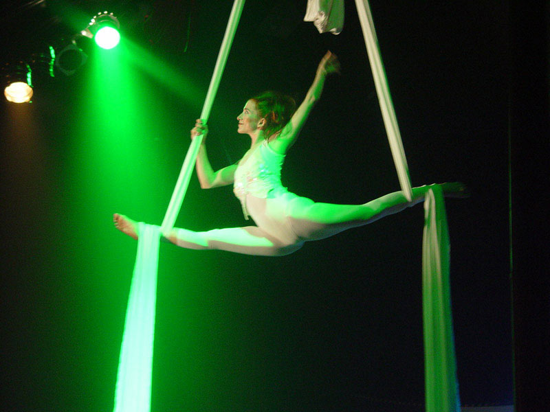 Circo Vox: companhia faz três apresentações