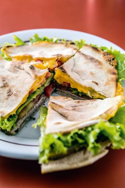 Beirute com salada
