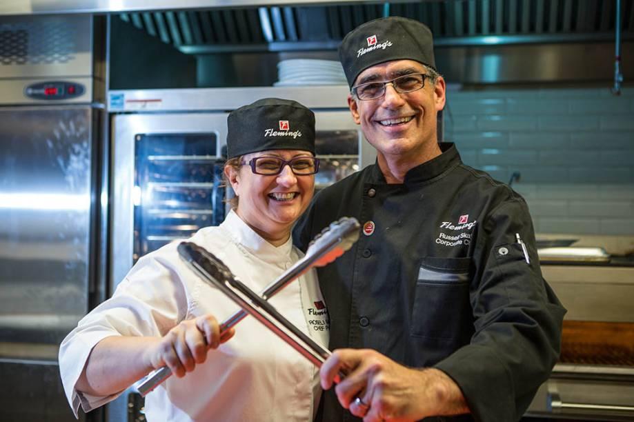 A chef Roseli Miranda eo chef executivo Russell Skall