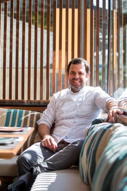O chef espanhol Oscar Bosch agora em casa própria com receitas mediterrâneas