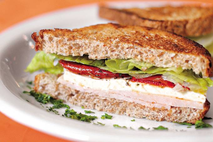Desfrutti – sanduíche frio de peru