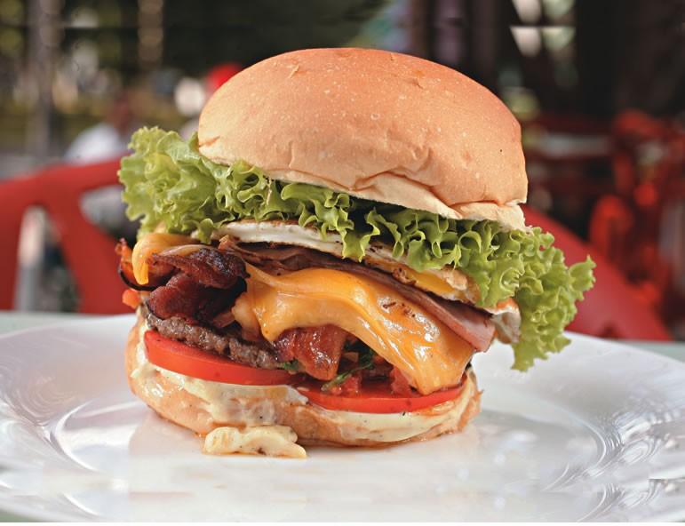 Hambúrguer um pouco de tudo