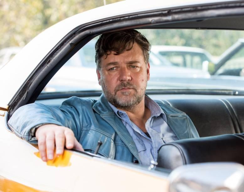 Dois Caras Legais: Russell Crowe é Jackson Healy, um detetive particular violento e ex-alcoólatra